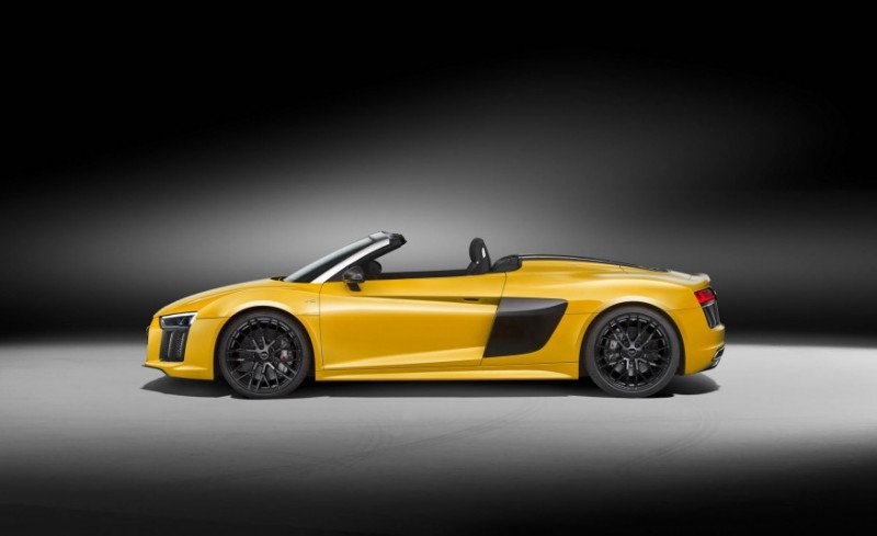 audi-gives-its-most-powerful-car-a-convertible-top-with-r8-spyder23