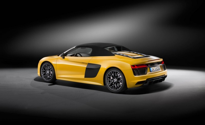 audi-gives-its-most-powerful-car-a-convertible-top-with-r8-spyder25