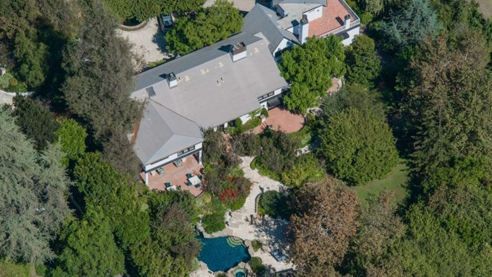 bob-newharts-bel-air-mansion-sold-for-14-5m-this-year-is-back-on-the-market-as-a-razed-lot-for-26m4