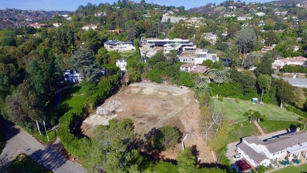 bob-newharts-bel-air-mansion-sold-for-14-5m-this-year-is-back-on-the-market-as-a-razed-lot-for-26m7