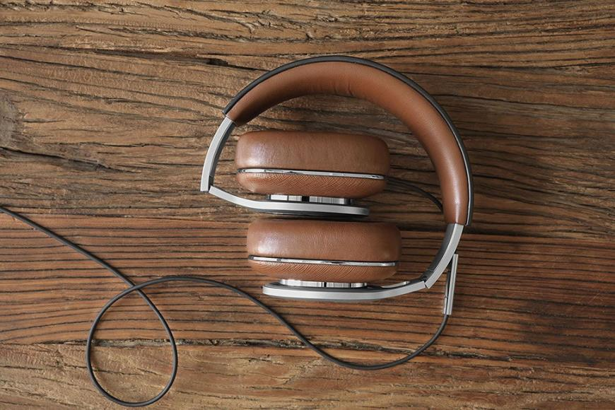 bowers-wilkins-launches-luxurious-p9-headphones6