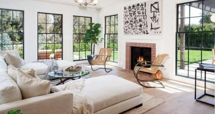 Tobey Maguire Buys $13M Brentwood Mansion Following Divorce