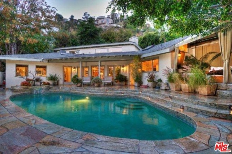 Sandra Bullock Seeks $15K a Month Rent for Hollywood Hills ...