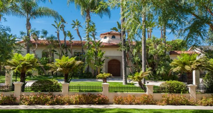 'Bewitched' Actress Agnes Moorehead's Former Beverly Hills Mansion Fetches $16M