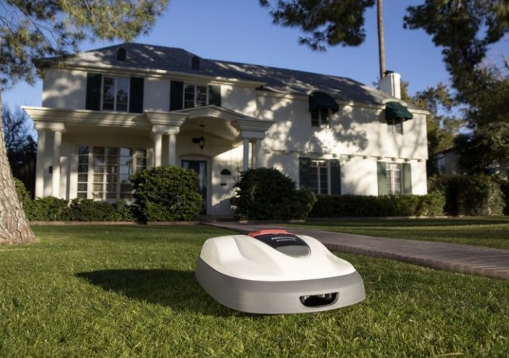 Honda's Miimo is a Roomba for Your Lawn, and It's Coming to America