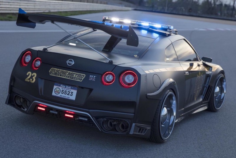 This Nissan Gt R Concept Cop Car Can Overtake Even The