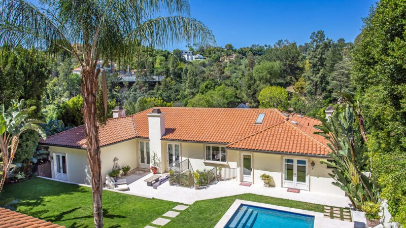 Former Beverly Hills Pad Of Actress Raquel Welch Hits The
