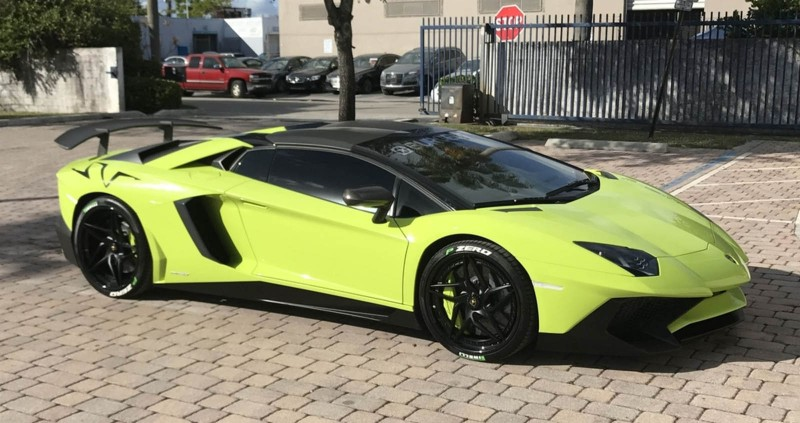 For 2 2m You Could Land This Bright Green Lamborghini Aventador