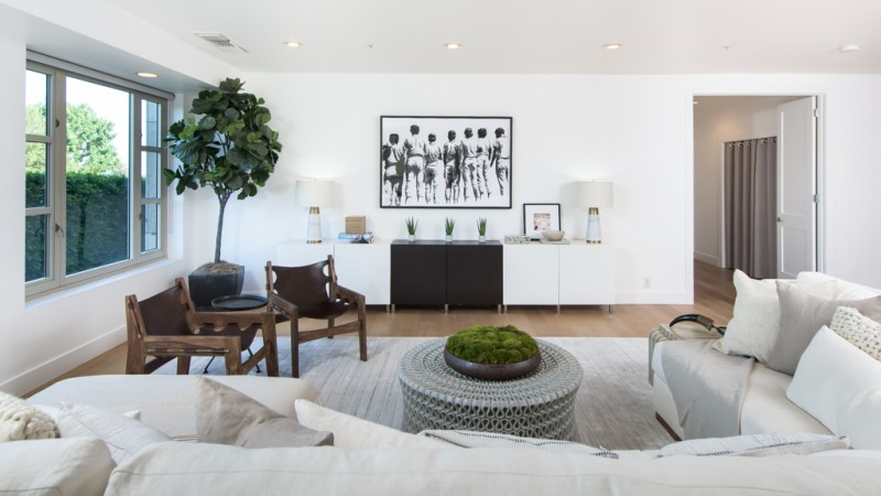 Kendall Jenner 39 S L A Starter Condo Comes To Market For 1 6m American Luxury