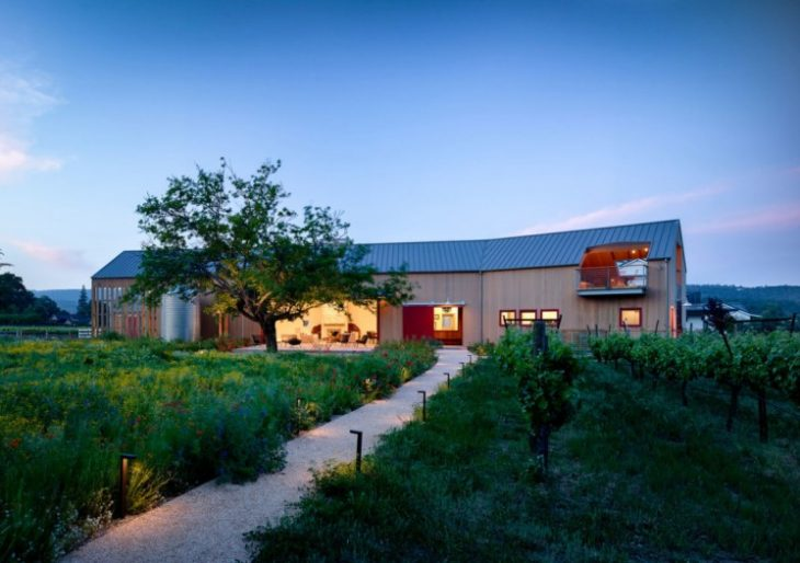 Napa Barn in California by Anderson Architects