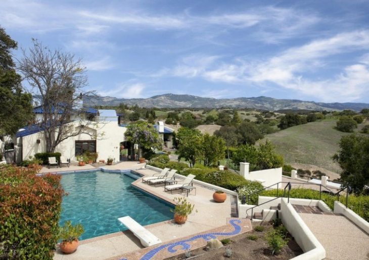 Bernie Taupin, Longtime Elton John Collaborator, Lists California Horse Ranch for $4.7M