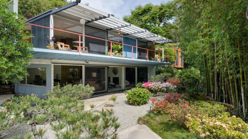 For 44m Er Writer Neal Baer Picks Up A Mid Century Modern - Hollywood-hills-architectural-masterpiece