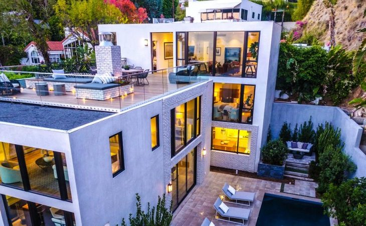 Kendall Jenner Tops Her Little Sister's Real Estate Week with $6.9M Sale in Hollywood Hills
