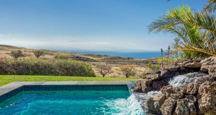 NFL Great Terry Bradshaw's Former 12-Acre Hawaii Ranch Fetches $1.4M