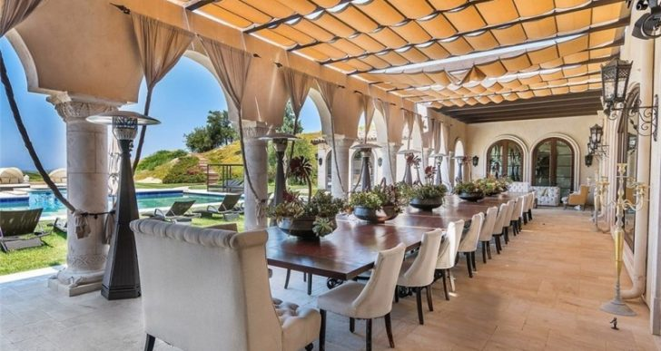 Tamar Braxton Passes the Keys to Calabasas Manse for $9.3M, Losing $1.3M in the Process