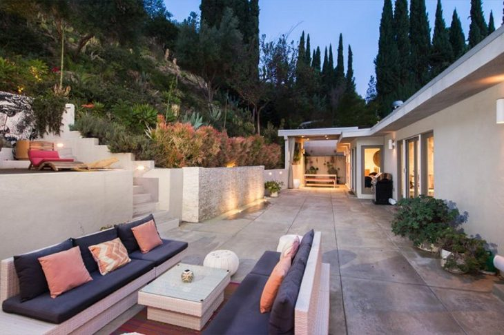Rose McGowan's Home Went to Israeli Director Ariel Vromen