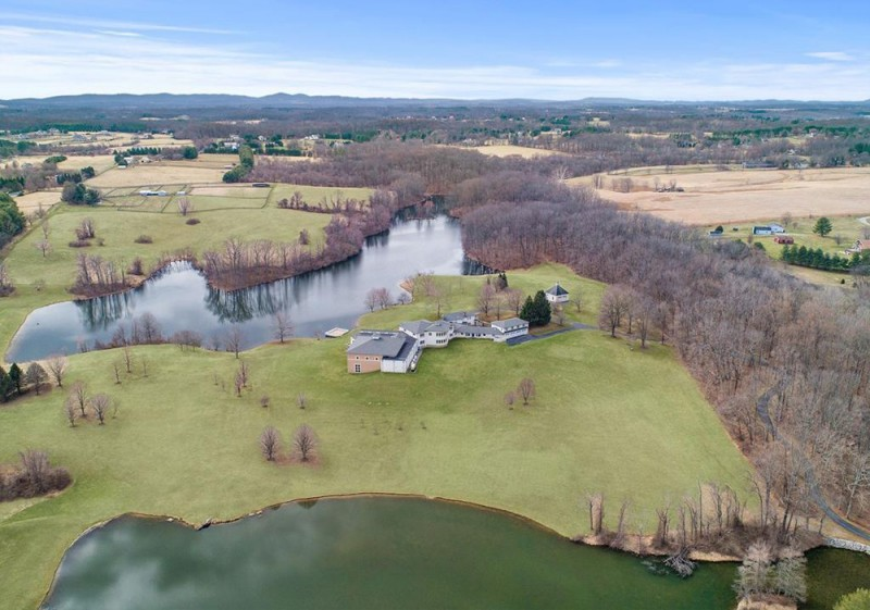 Martin Lawrence Lists 120-Acre Virginia Estate for $8.5M ...