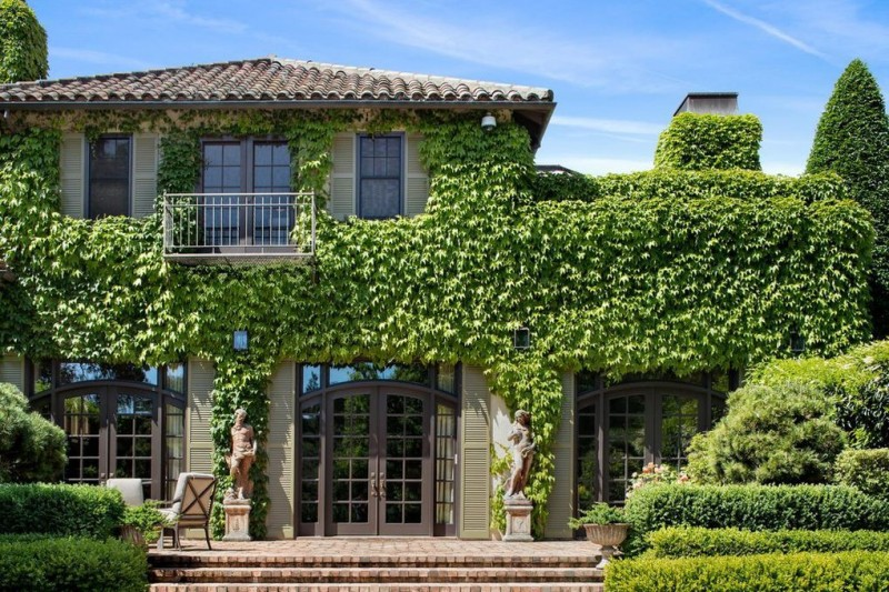 Michelle Pfeiffer Lists Expansive California Estate for