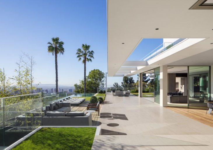 Stradella House in L.A. by SAOTA