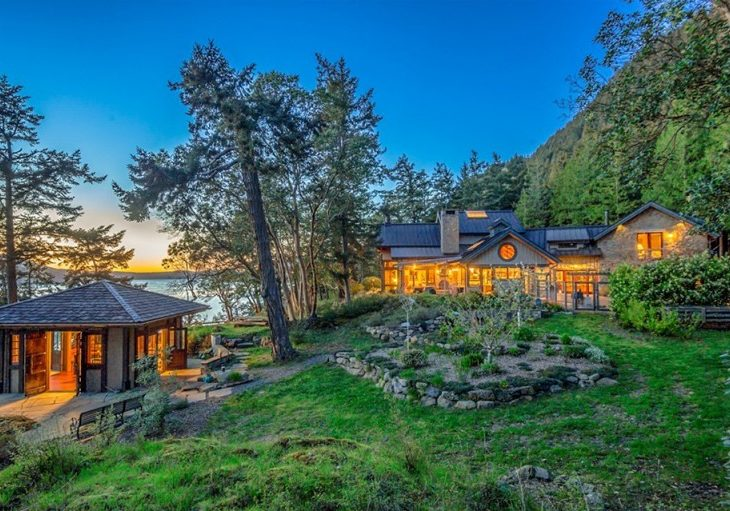 Oprah Winfrey Spends $8.3M on Sprawling Retreat in Washington State