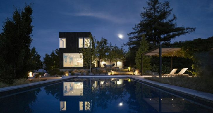 Show Sugi Ban House in California by Schwartz and Architecture