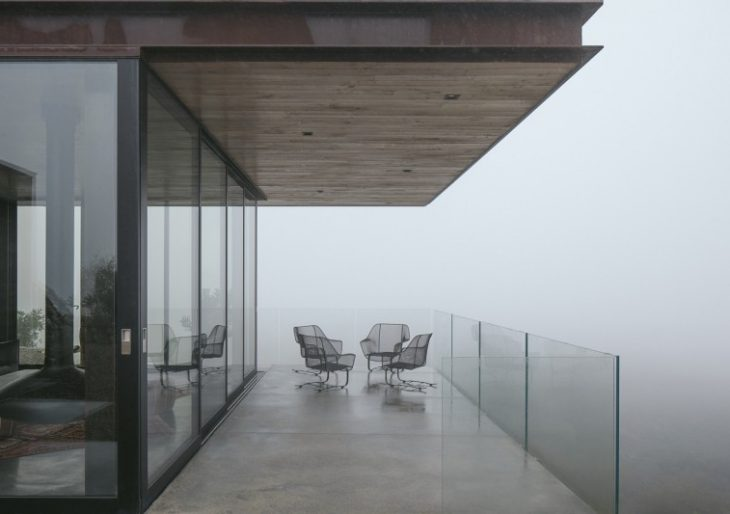 Off-Grid Guest House in California by Anacapa