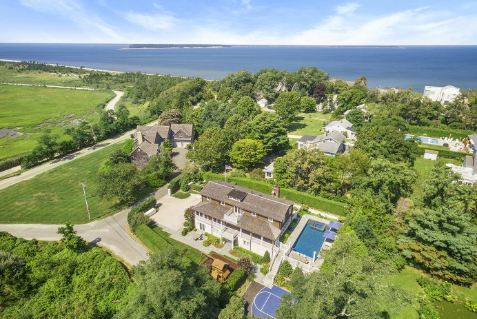 Anthony Scaramucci Lists Hamptons Home for $4M after Buying Larger One