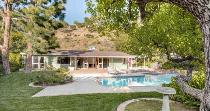 James Woods Takes $2.9M for Another of His Mid-Century Modern Homes in L.A.