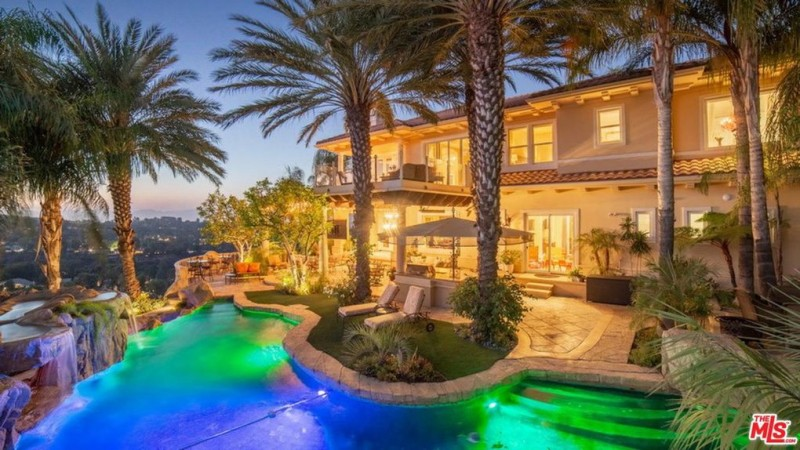 Greg Mathis Of Judge Mathis Fame Lists Tarzana Home For