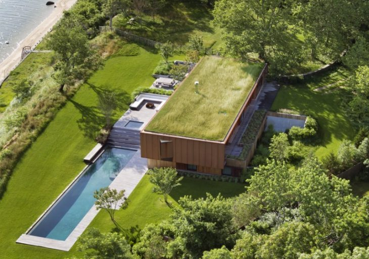 Peconic House in the Hamptons by Mapos