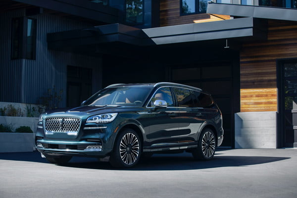 2020 Lincoln Aviator Sports Luxurious Design, Hybrid Powertrain