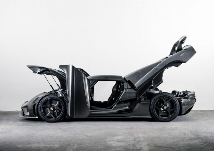 Special Koenigsegg Regera Uses Nothing but Bare, Hand-Polished Carbon Fiber