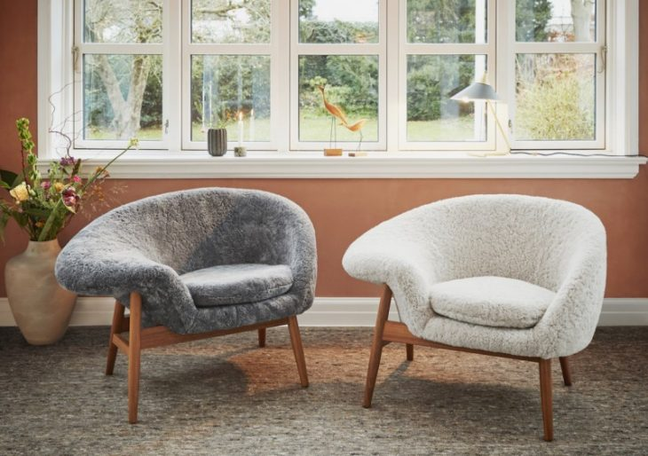Warm Nordic Brings Back Hans Olsen's 'Fried Egg' Chair in Sheepskin Attire