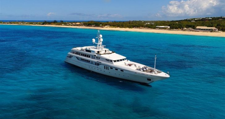 Billionaire Darwin Deason's Impeccable 'Apogee' Superyacht on the Market for $25M