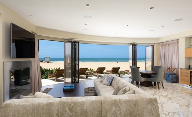 Billionaire Russ Weiner Lists Well-Executed Contemporary in Hermosa Beach for $21M