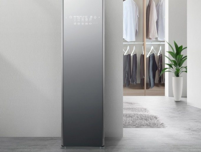 LG's Smart Wardrobe Features Google Assistant, Steam Cleaner
