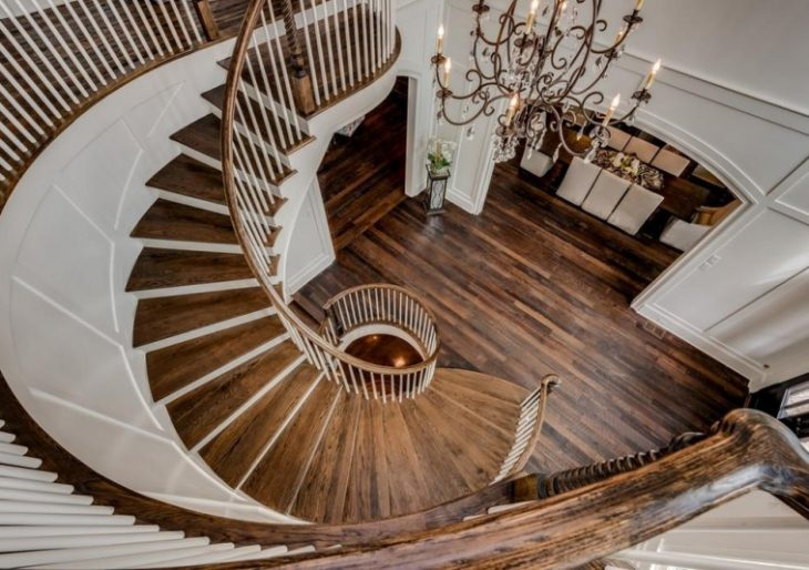 'Chrisley Knows Best' Stars Todd and Julie Chrisley Spend $3.4M on Elegant Tennessee Mansion