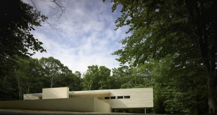 Green Woods House in the Hamptons by Stelle Lomont Rouhani Architects
