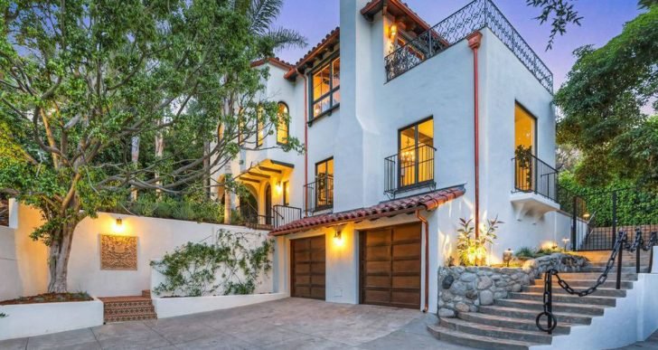 'Big Bang Theory' Star Simon Helberg Purchases Vince Vaughn's Former L.A. Home for $6.9M