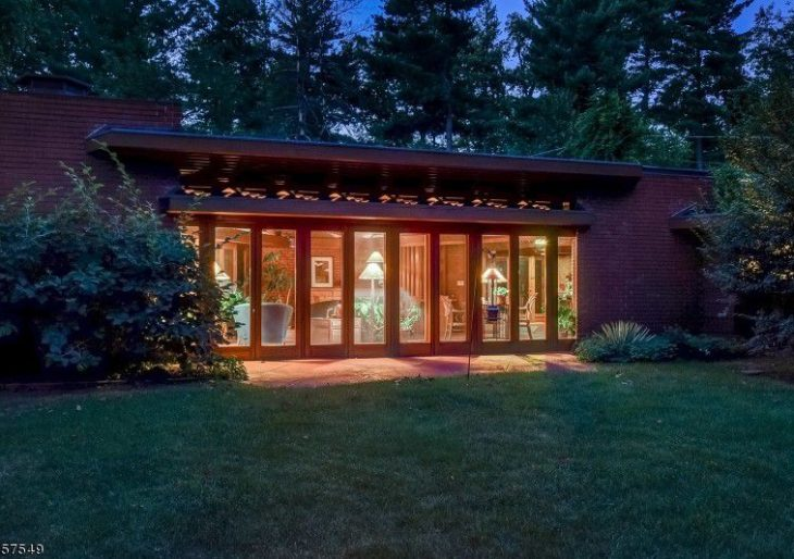 Frank Lloyd Wright Home Devoid of Right Angles Listed in New
