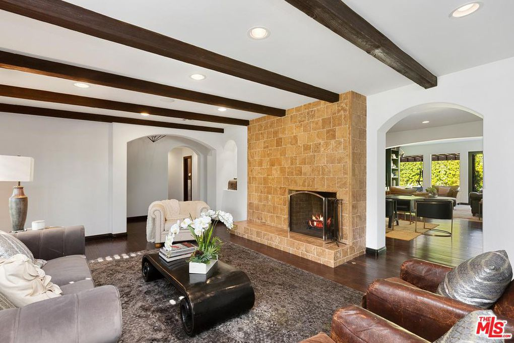 Rocker Pete Wentz Looking To Move On From 2 4m Encino