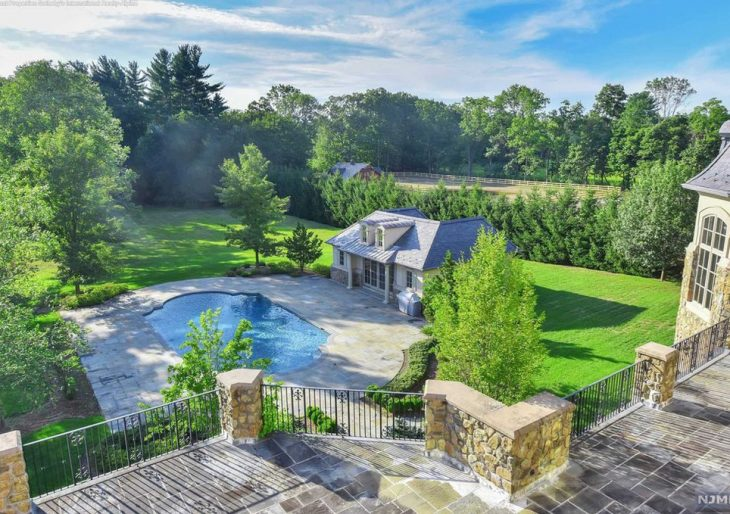 Mary J Blige S New Jersey Mansion Back On The Market With A Whittled Down Price Of 6 8m American Luxury