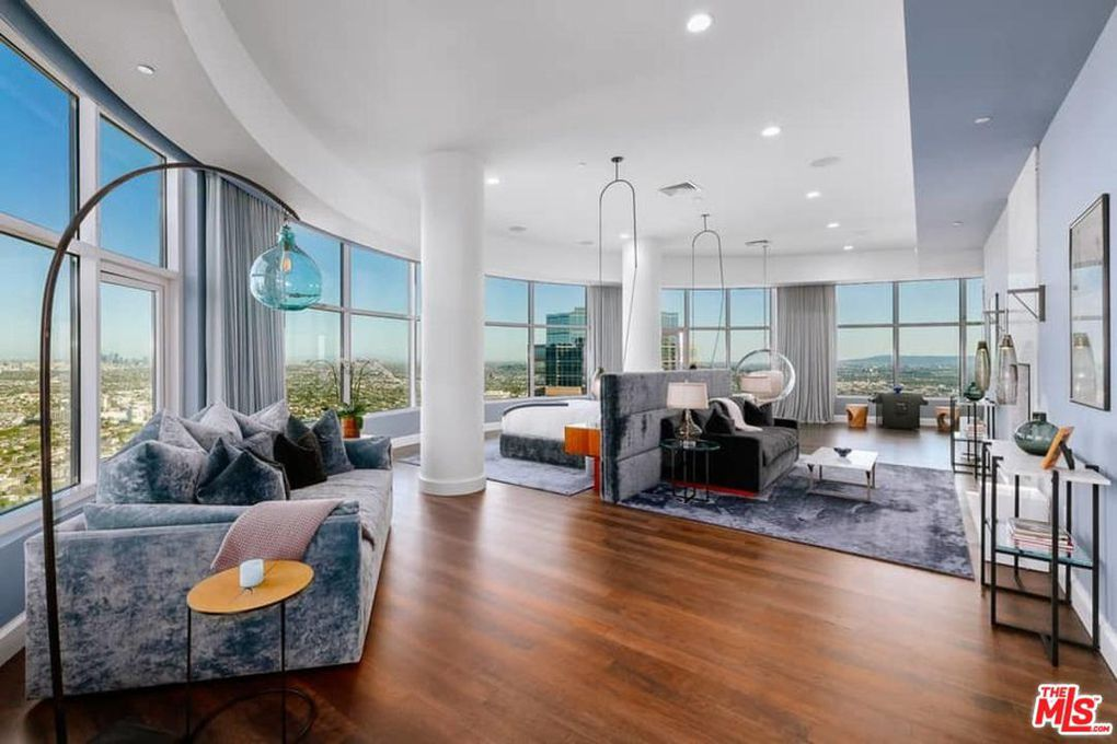 Matthew Perry Offers 'Mansion in the Sky' L.A. Penthouse ...