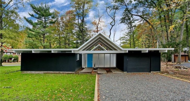 Colin Farrell Just Wrapped Filming in This Rare New York Eichler, And Now It Can Be Yours for $580K