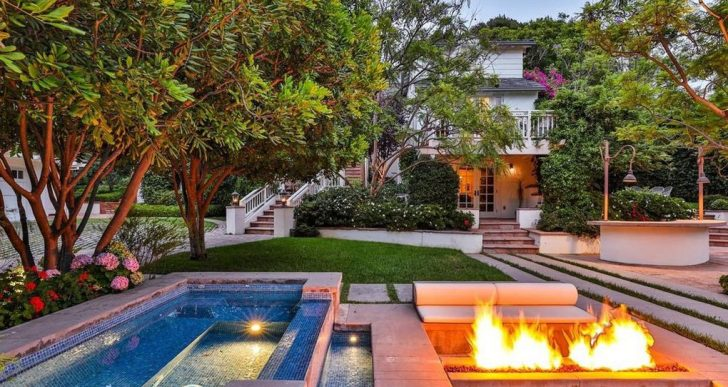 'Real Housewife' Camille Grammer Buys in Brentwood for $5.9M