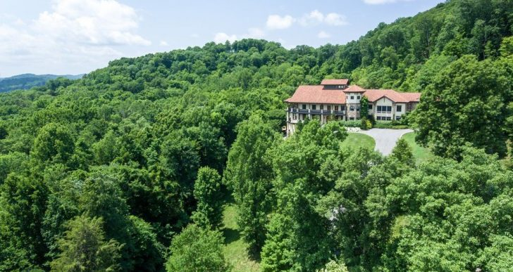 Jay Cutler and Kristin Cavallari's Tennessee Mansion Back on the Market at $5M—Down From $7.9M