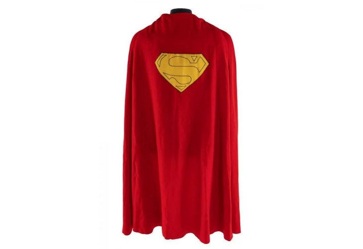 Superman's Cape Fetches $194K at Auction