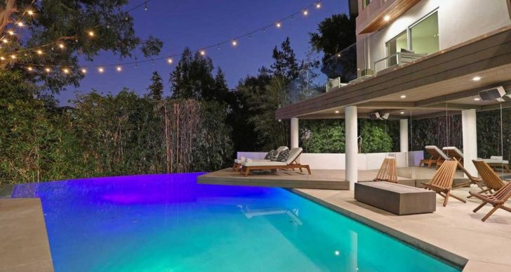 Chart-Topping Singer Halsey Sells L.A. Home for $2.4M