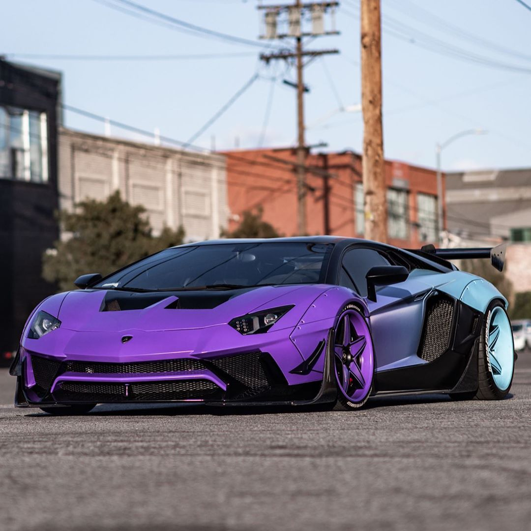 Chris Brown Shows Off Customized Lamborghini Aventador SV