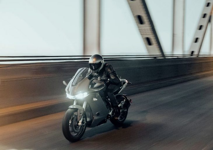 Zero SR/S Electric Motorcycle Delivers a Range of 201 City Miles